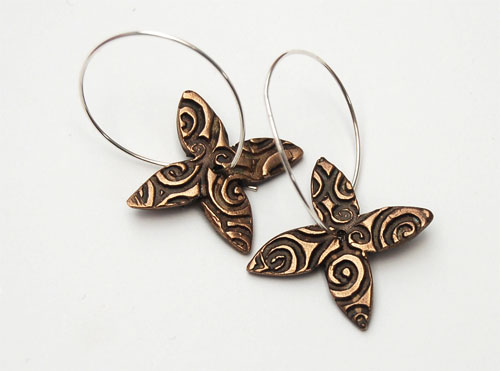 Frangipani-earrings---br